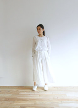 00289-white-model.jpg